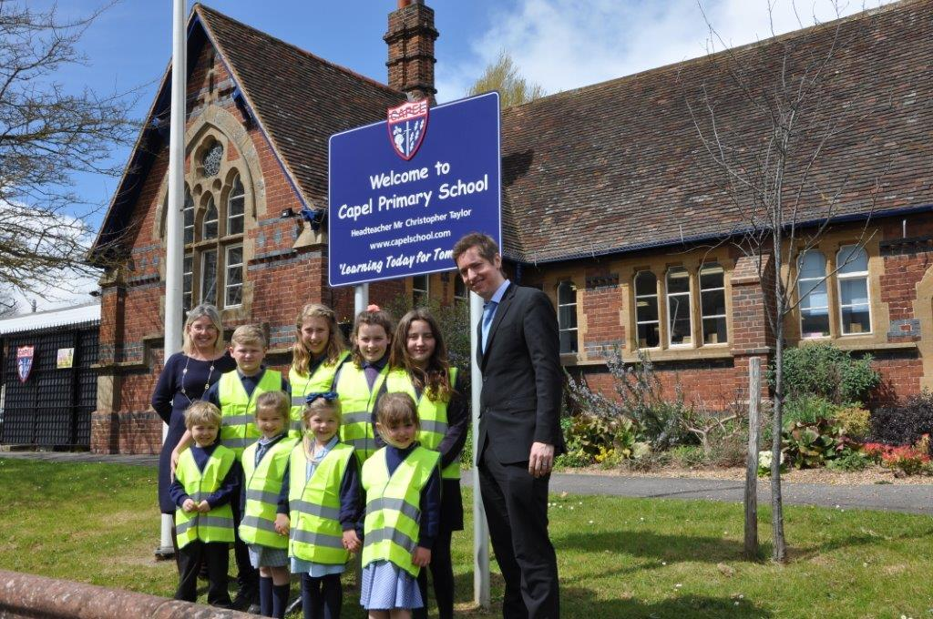 Capel school get hi-viz jackets to make journey safer