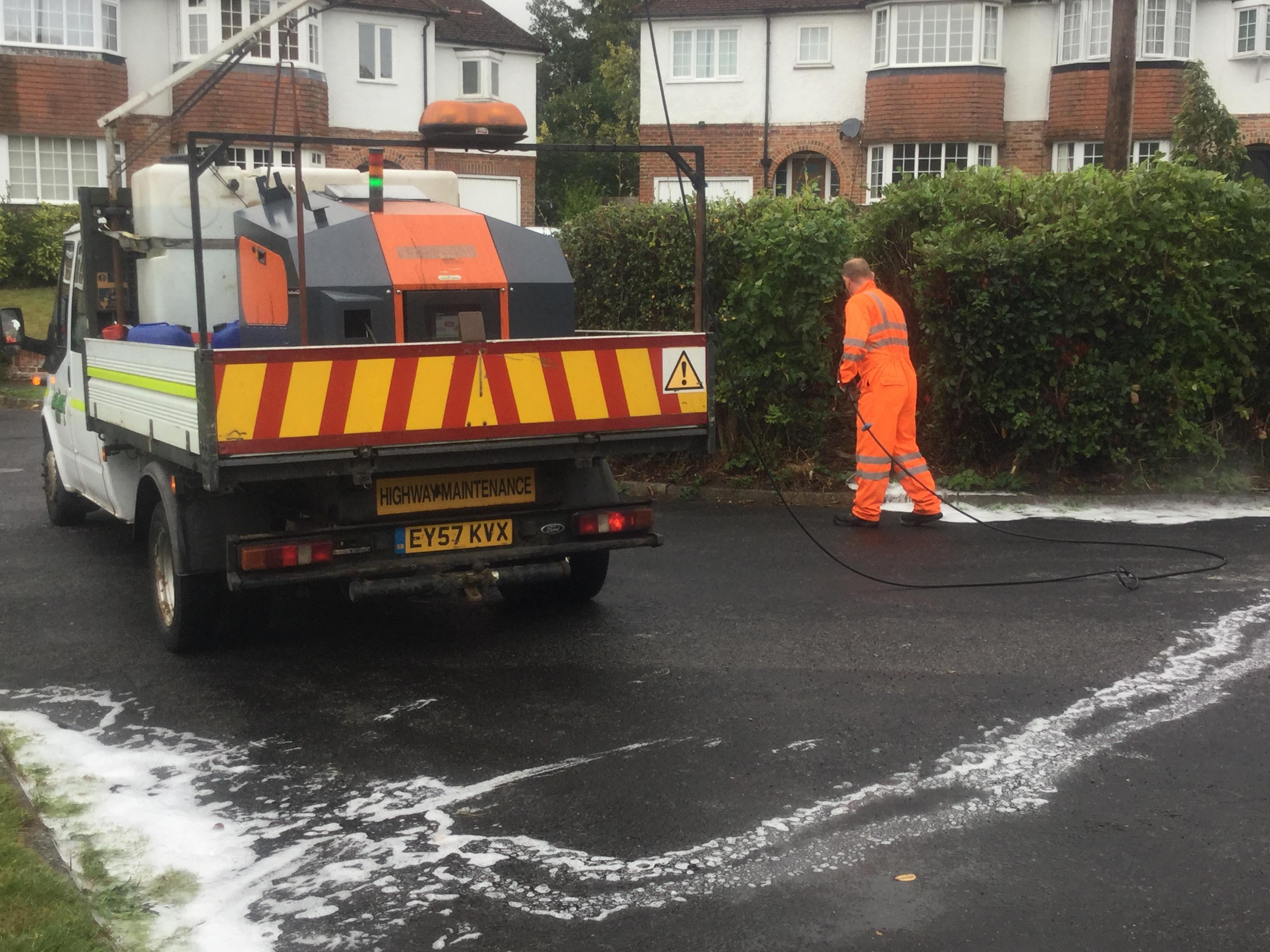'Hot foam' trial on highways weed control