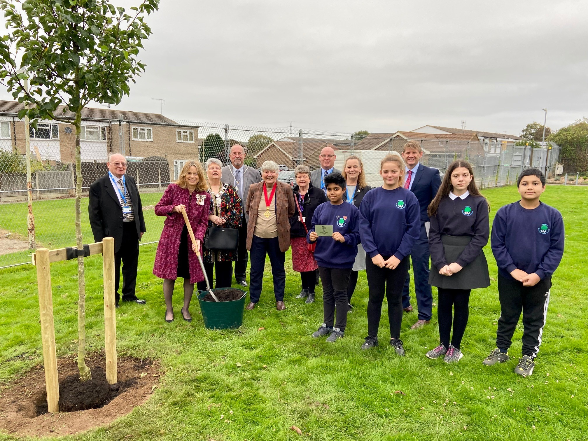 Kent school plants 'royal' tree to mark Platinum Jubilee